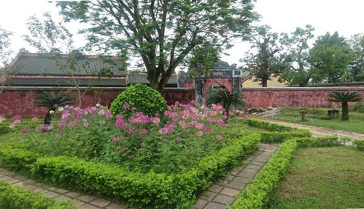 This garden is in the heart of The Forbidden Purple City, inside the Imperial City in the area which was purely for the use of the emperor's family and their servants