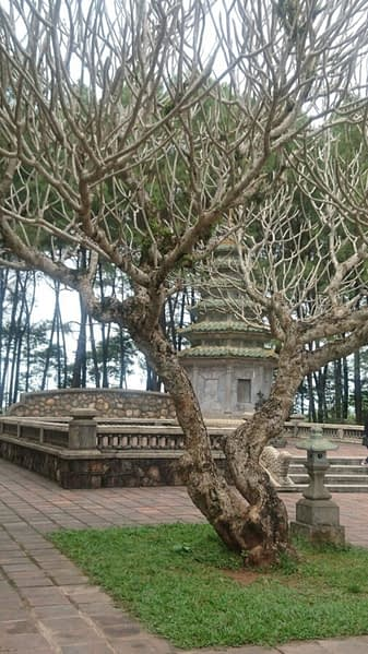 This small pagoda is part of a memorial garden in the grounds of the Pagoda of the Celestial Lady. Do not take selfies here, you will be forecasting your own death