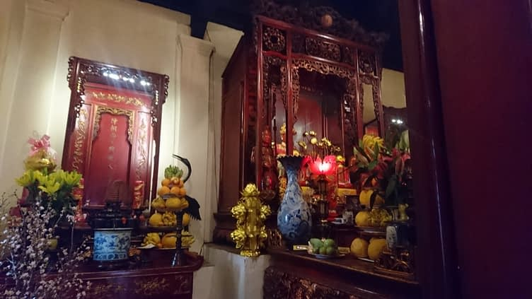 Inside the Ngoc Son temple, there are many offerings of simple food and water to far more complex and ornate objects...