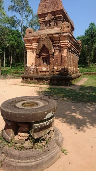 A linga altar in front of one of the temple buildings at My Son