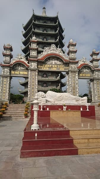 The Linh Ung Pagoda and reclining Buddha are adjacent to the Lady Buddha statue