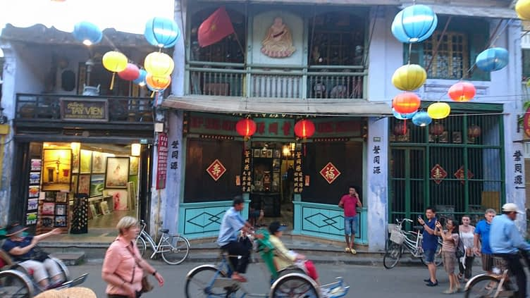Are those Chinese characters or Japanese? Forgive my ignorance but could easily be either as Hoi An, like all of Vietnam, is a glorious mixture of the cultures that have coloured its history
